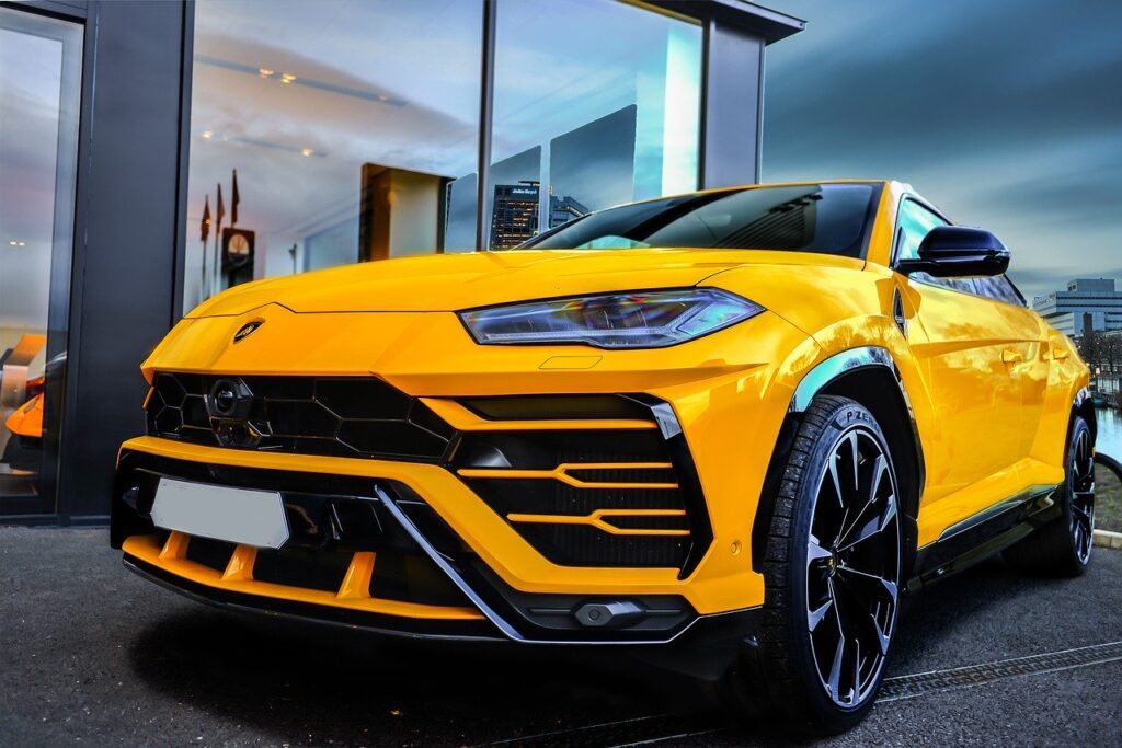 Inside-2020-Mansory-Lamborghini-Urus-Nero-Helene