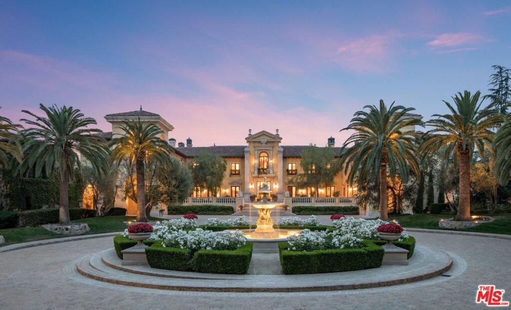 Inside-Villa-Firenze,-$165-Million-Mediterranean-Mega-Mansion-In-Los-Angeles