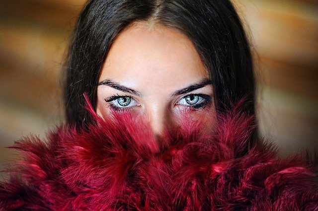 Top-6-Surprising-Makeup-Trends-That-Will-Blow-Your-Mind-in-2020